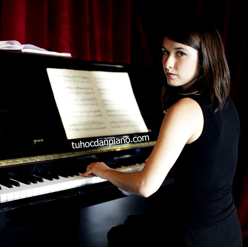 cach-hoc-dan-piano-cho-nguoi-lon